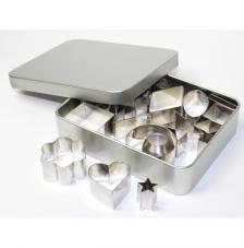 Caja 13x10,5x2,8 cm con 18 troqueles de metal